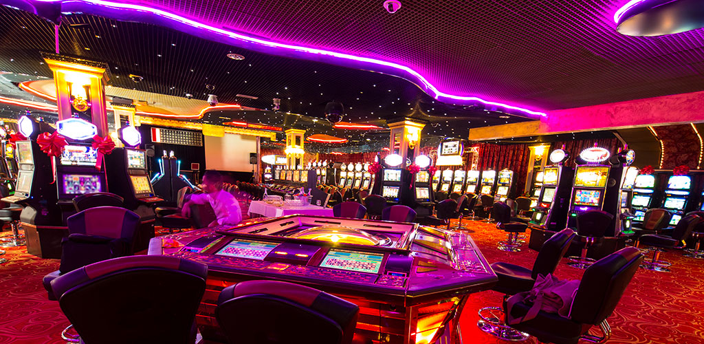 Casino Lights and Sounds Encourage Risky Decision-Making