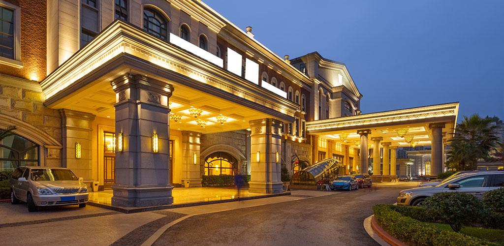 HOTEL EXTERIOR/LANDSCAPE LIGHTING